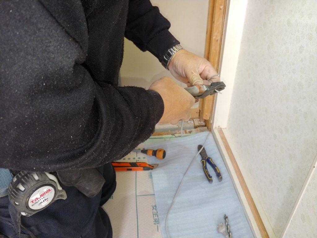 _200507_0015-1024x768 伊賀市T様邸引き戸改修工事2日目(電気工事)