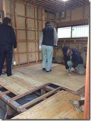 wlEmoticon-stormcloud_2 名張市桔梗が丘の台所改修工事現場に来ています