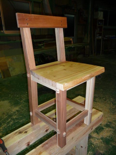 blog_import_550a1881dbd0a 息子の椅子