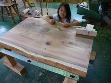 017 杉の一枚板、学習机