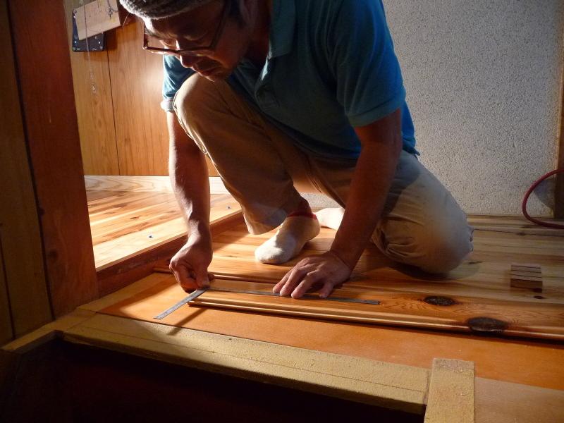 blog_import_550a1ac495f8c 県産杉の床板、張り替え工事