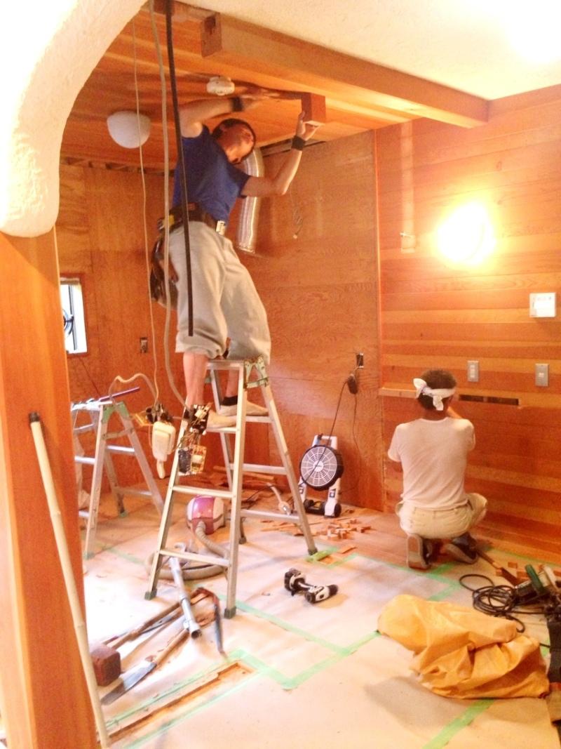 blog_import_550a1b89d9acc ゆめが丘4町目、キッチン改装現場。