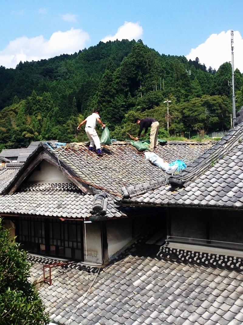 blog_import_550a1cc260f6d 伊賀市腰山で、屋根の修理始まりました??