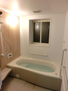 念願の安心できて、足が伸ばせるお風呂が完成しました
