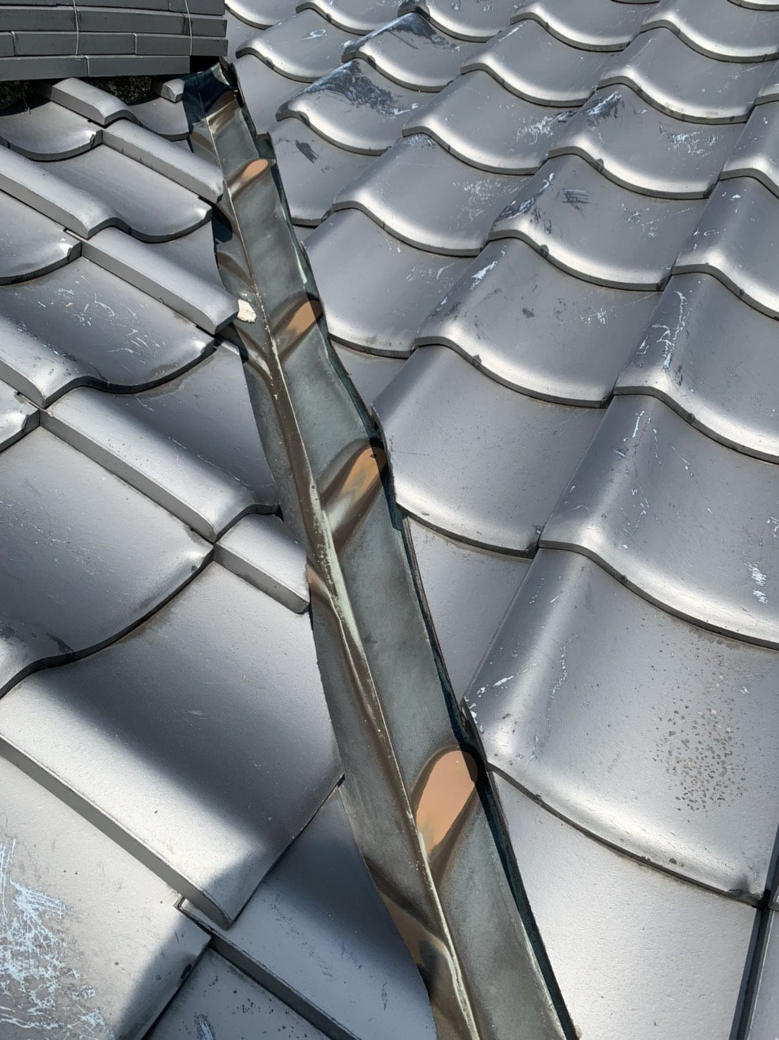 雨漏りで困っていた屋根工事で安心施工前01